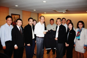 FPT's Management group visited Executive Chairman of FPT